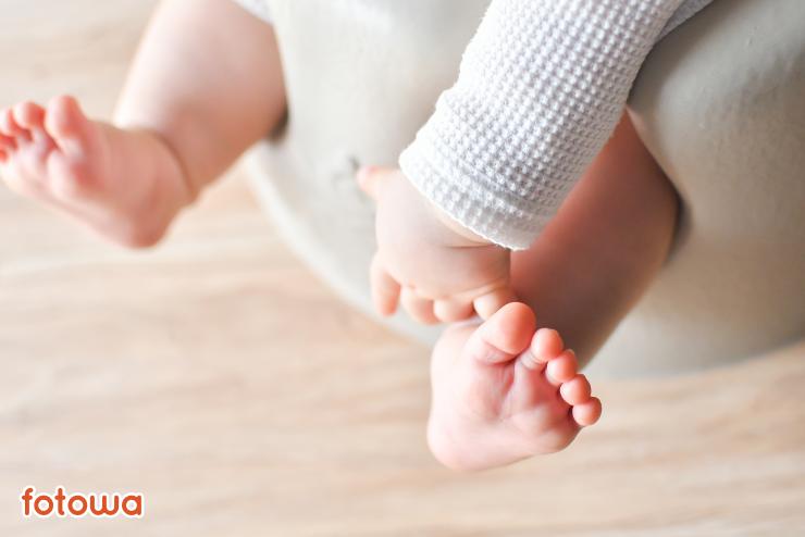 生後6ヶ月の赤ちゃんの手足